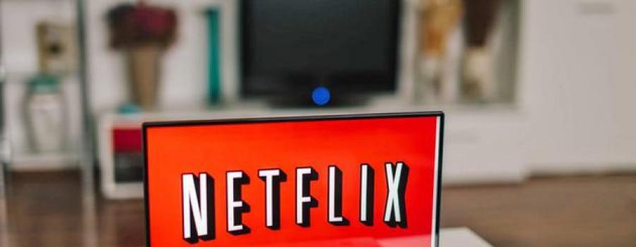 """Netflix 20年拼杀史:它如何成为硅谷的""""好莱坞""""?"""